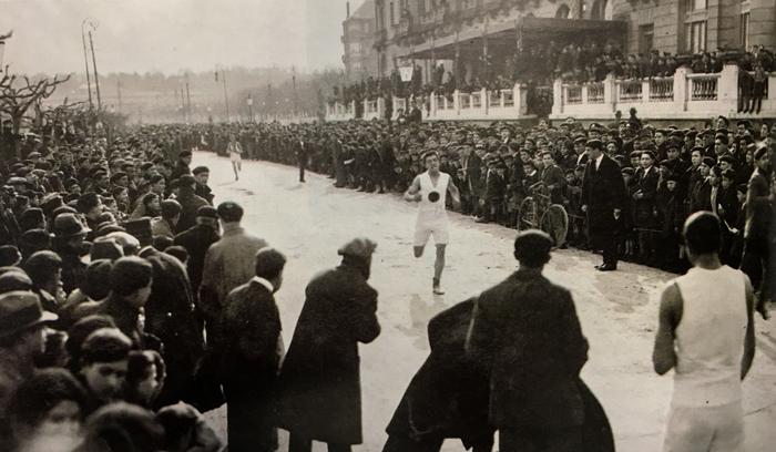 1919-Llegada-Paseo-Republica-Argentina--Hotel-Maria-Cristina